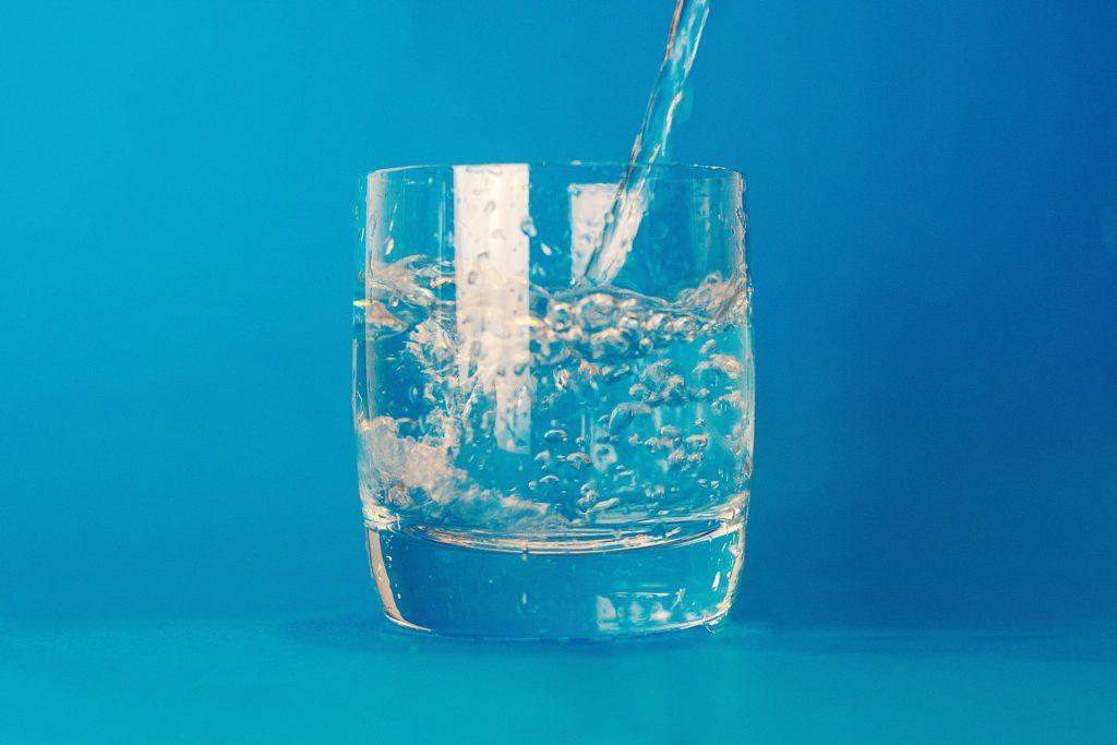 Вода: сколько и какой нужно пить в день