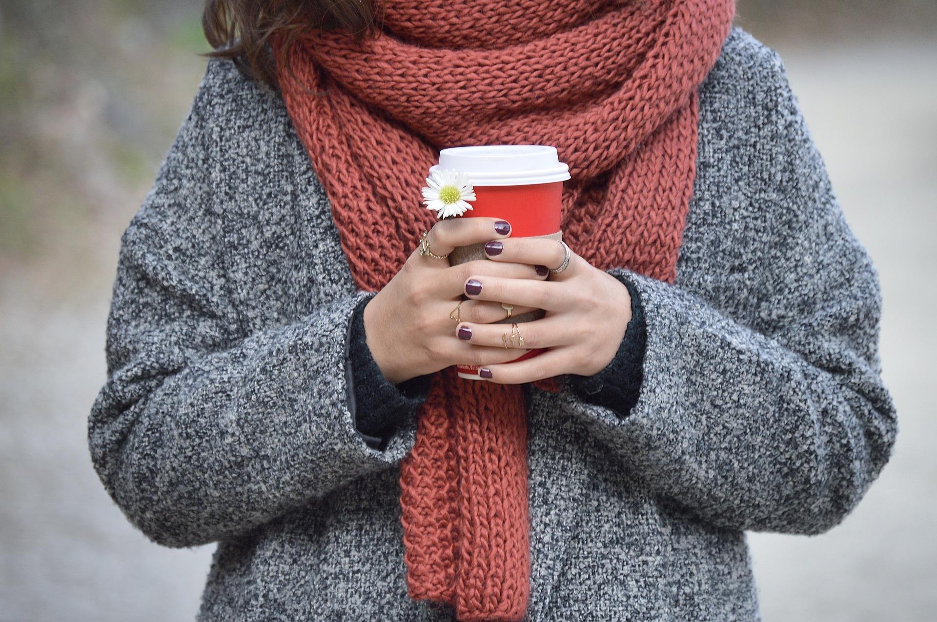 шарф с верхней одеждой