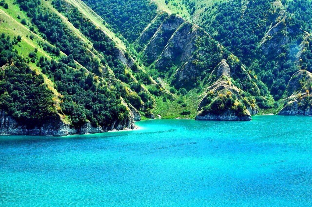 Озеро Кезеной-ам (Чеченская республика)