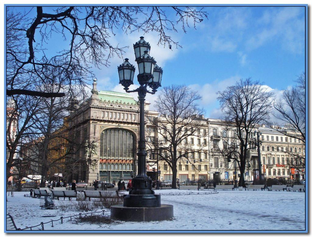 Куда поехать на новогодние праздники в России