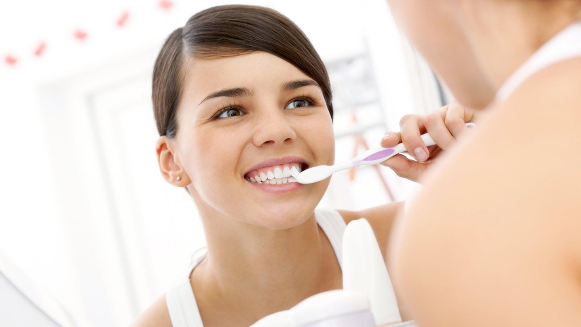 Как убрать зубной камень в домашних условиях перекисью водорода