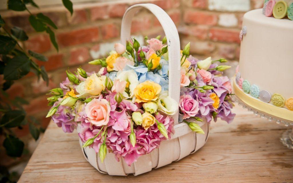 дарить цветы на праздники