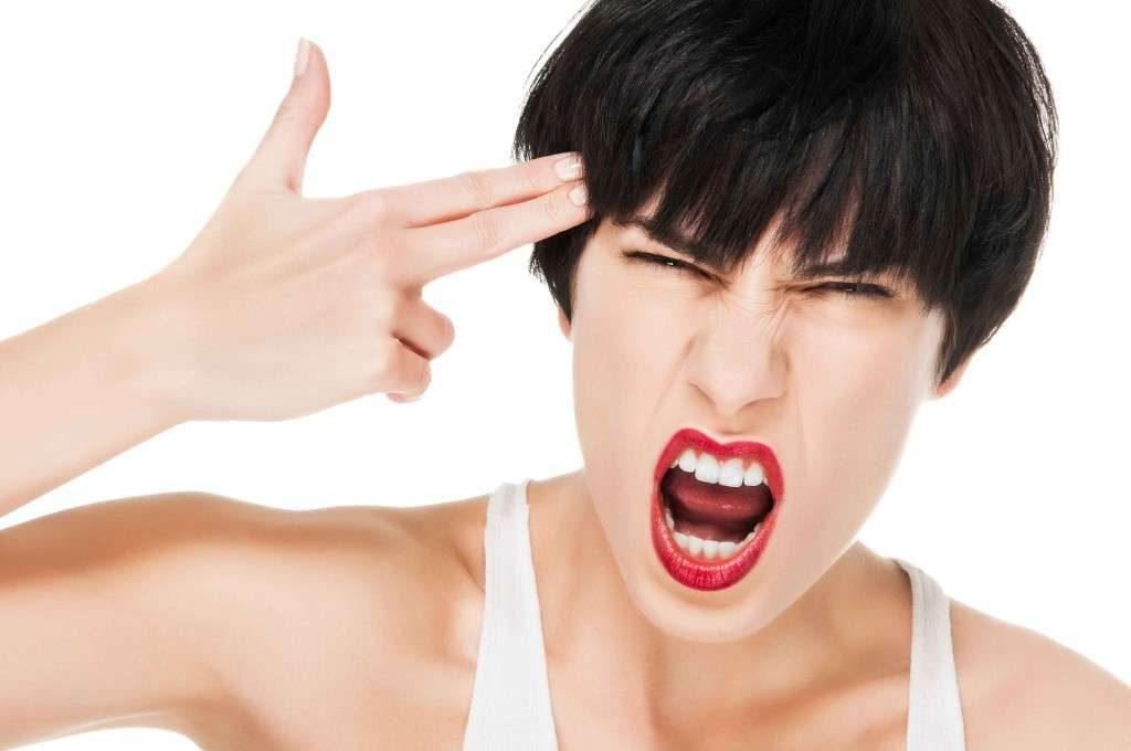 Как бороться с ПМС женщине