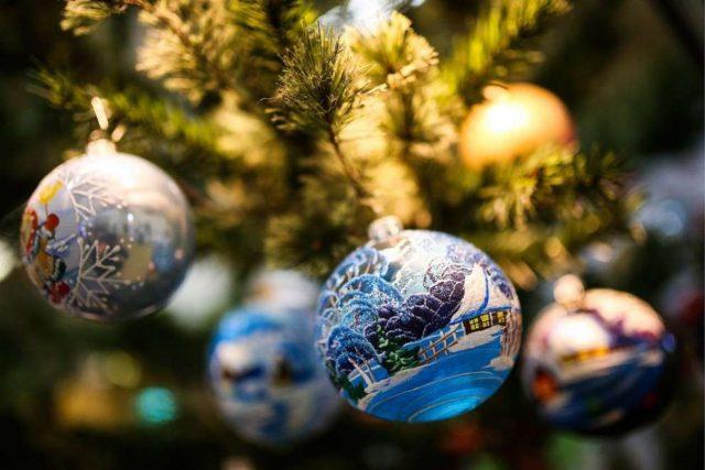Доступные подарки на Новый год семье в 2019